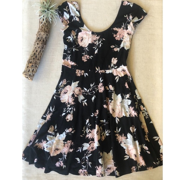 279366662af1 Urban Outfitters Dresses | Uo Kimchi Blue Floral Ss Skater Dress Sz ...